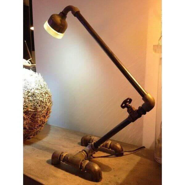 Lampe Tuyaux 1118