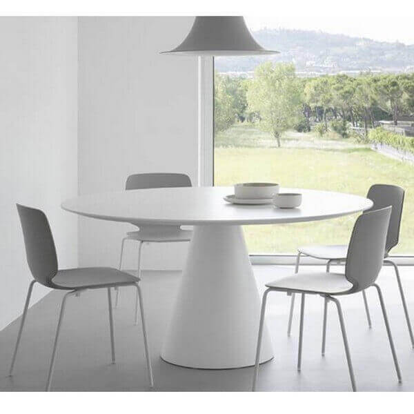 Table repas ronde ikon pedrali for Table repas ronde