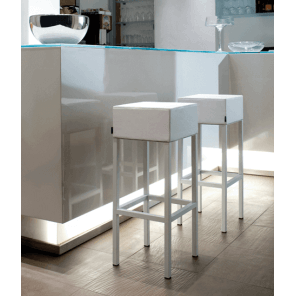 CUBE - Modern bar stool in steel and leather look