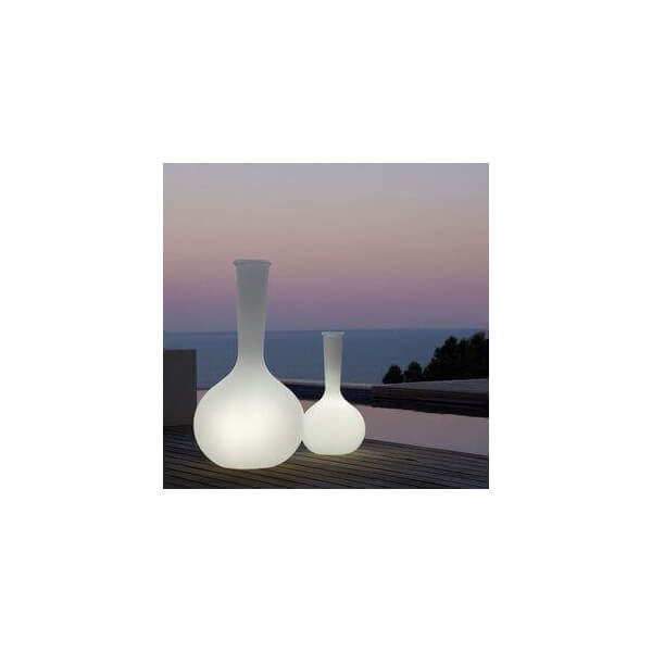 vondom vase vondom chemistubes lumineux sur mathi design. Black Bedroom Furniture Sets. Home Design Ideas