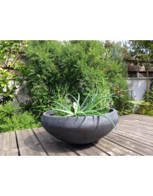Round concrete flower pot